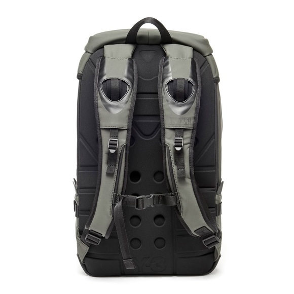 4e0878f903 Y-3 ultratech backpack olive black. M 5b1bf5ac2e147805c30a8657
